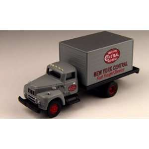 Intl Harverstor R190 New York Central Express Truck Toys & Games