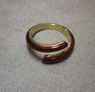 Hidalgo 18K Yellow Gold Red Enamel Swirl Ring