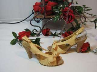 Pretty Mia womens Yellow Gold Sandals Shoes size 6