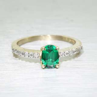 Elegant Vintage 10K Yellow Gold Ladies Emerald Diamond Ring